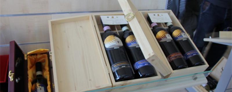 红酒开瓶后能放多久,一次喝不完怎么保存