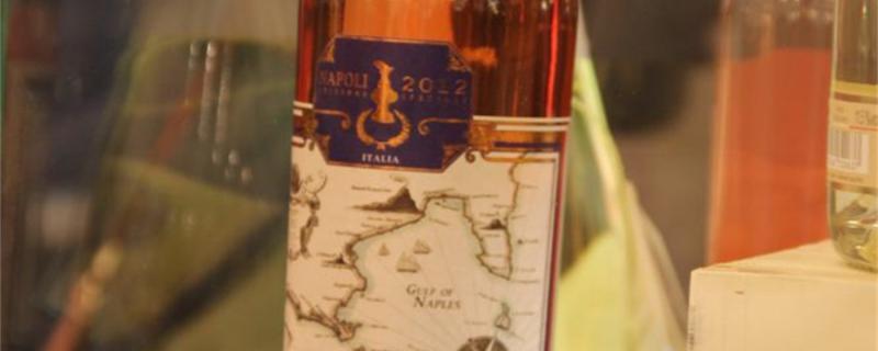 白葡萄酒有沉淀物正常吗,白葡萄酒是怎么酿造的